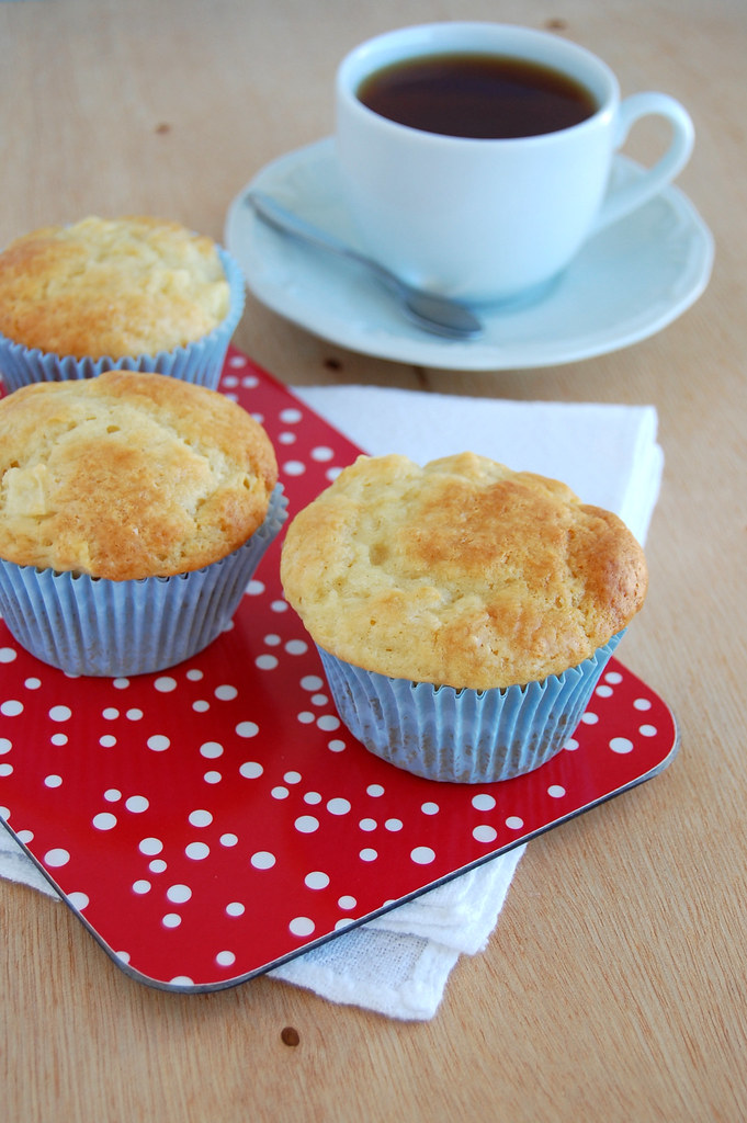 Apple yogurt muffins / Muffins de iogurte e maçã