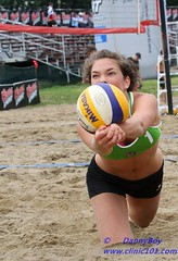 I got it (Danny VB) Tags: park light canada men beach sport ball team sand women quebec plateau montreal ballon sable lifestyle playa player tournament catherine volleyball milton athlete montroyal plage parc volley cl coors equipe mountroyal 2010 coorslight excellence qualification balle joueur larose jeannemance volant tournois qualif joueuses deplage montreal514 cqe2010