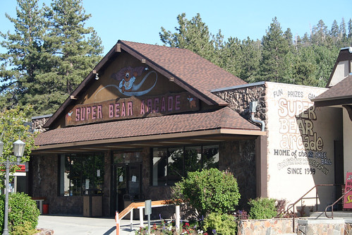 Big Bear Lake - Super Bear Arcade