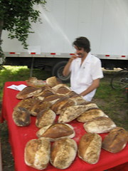 Free Bread Tasting @ Byrd House Market (connect richmond) Tags: food house face oregon painting virginia time farmersmarket farmers market hill william fresh richmond story va produce local rva byrd oregonhill connectrichmond connectrva