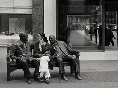 Mnage  trois (Ian Brumpton) Tags: street bw noiretblanc candid roosevelt churchill mayfair mnagetrois benchlife