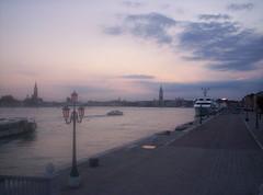 Venetian Dream (Grabby Walls) Tags: world travel venice sunset italy atardecer italia tramonto places venezia viaggi viaggio veneto viaggiare grabbywalls