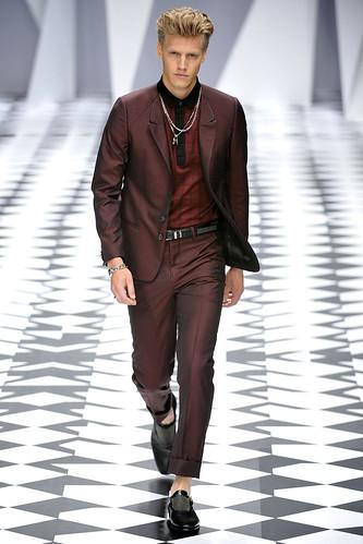 SS11_Milan_Versace0010_Daniel Lonnstrom(VOGUEcom)