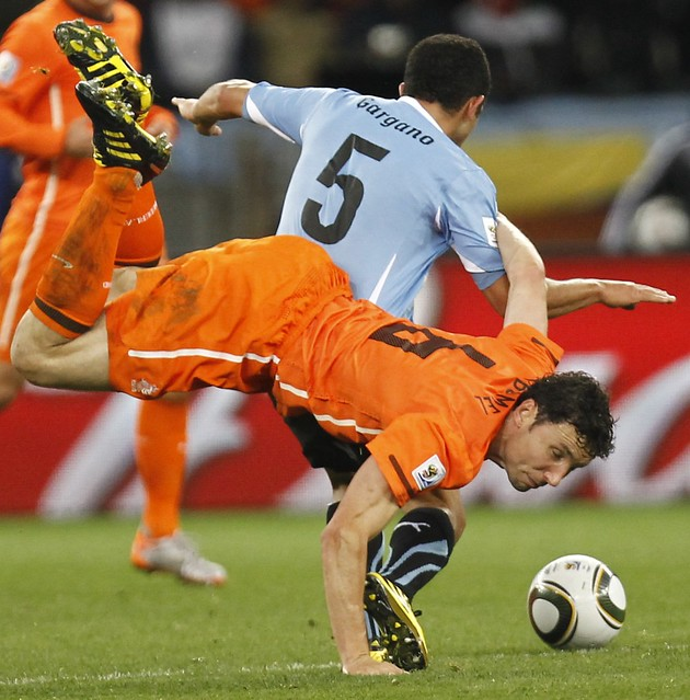 Holland Uruguay World Cup Mark van Bommel Walter Gargano