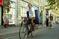 "No hay ""peros"" (Claudio Olivares Medina) Tags: viaje copenhagen bicicleta hombre dinamarca carga logistica sigma30mmf14exdchsm movilidad cyclechic estiloypedal bicilogistica"