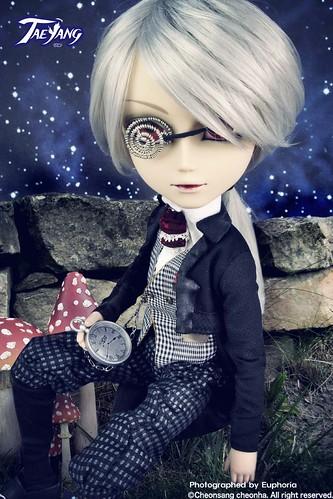 Taeyang Crazy White Rabbit 4781849087_31f5ea410f