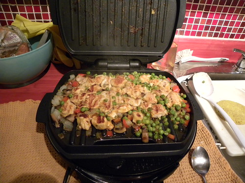 Grill with chicken-veggie stir fry