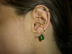 Ear cuff with green bead