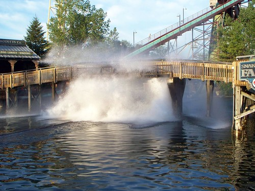 Cedar Point - Snake River Falls Splash