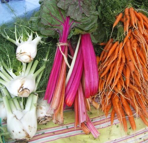 Produce at Cedar Park Farms to Market