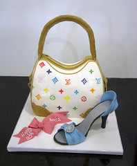 purse cake (www.fortheloveofcake.ca) Tags: birthdaycake blueshoe lvpurse shoecake noveltycake girlycake louisvuittoncake fashioncake fashionistacake edibleshoe sexinthecitycake shoppingcake louisvuittonpursecake torontocakes whitepursecake lvpursecake