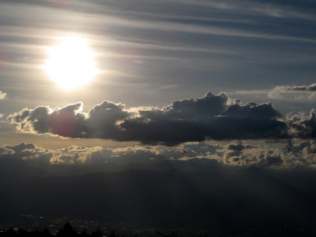 高ボッチ高原から望む夕陽