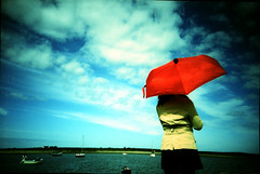 Red Umbrella (Jamie Mellor) Tags: lomo lca crossprocessed alnmouth elitechrome ebx