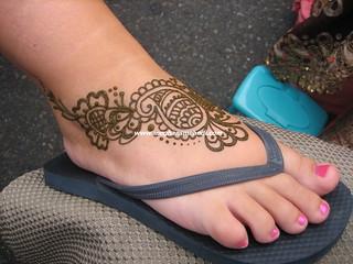 Flip flop henna