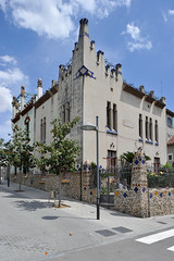 passeig Canalies, Sant Joan Despí (Xavier de Jauréguiberry) Tags: barcelona españa architecture spain arquitectura catalonia catalunya espagne cataluña barcelone modernisme catalogne santjoandespí