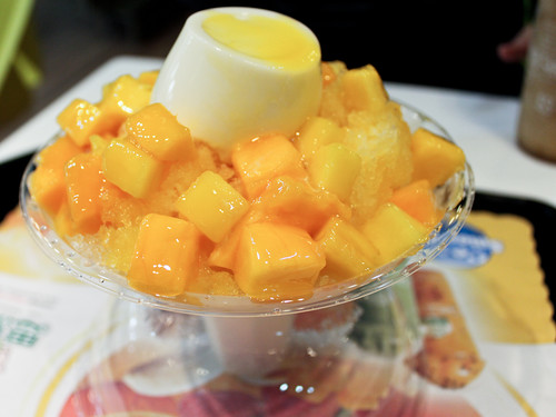 Mango shaved ice w/panna cotta
