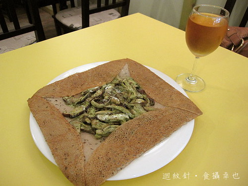 法蕾薄餅咖啡屋香菇佐特調醬薄餅與蘋果酒