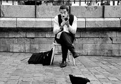 Charlot, va ! (lachaisetriste) Tags: portrait blackandwhite bw paris nikon noiretblanc montmartre nb charlot rue mime maquillage acteur comédien d700 expressyourselfaward