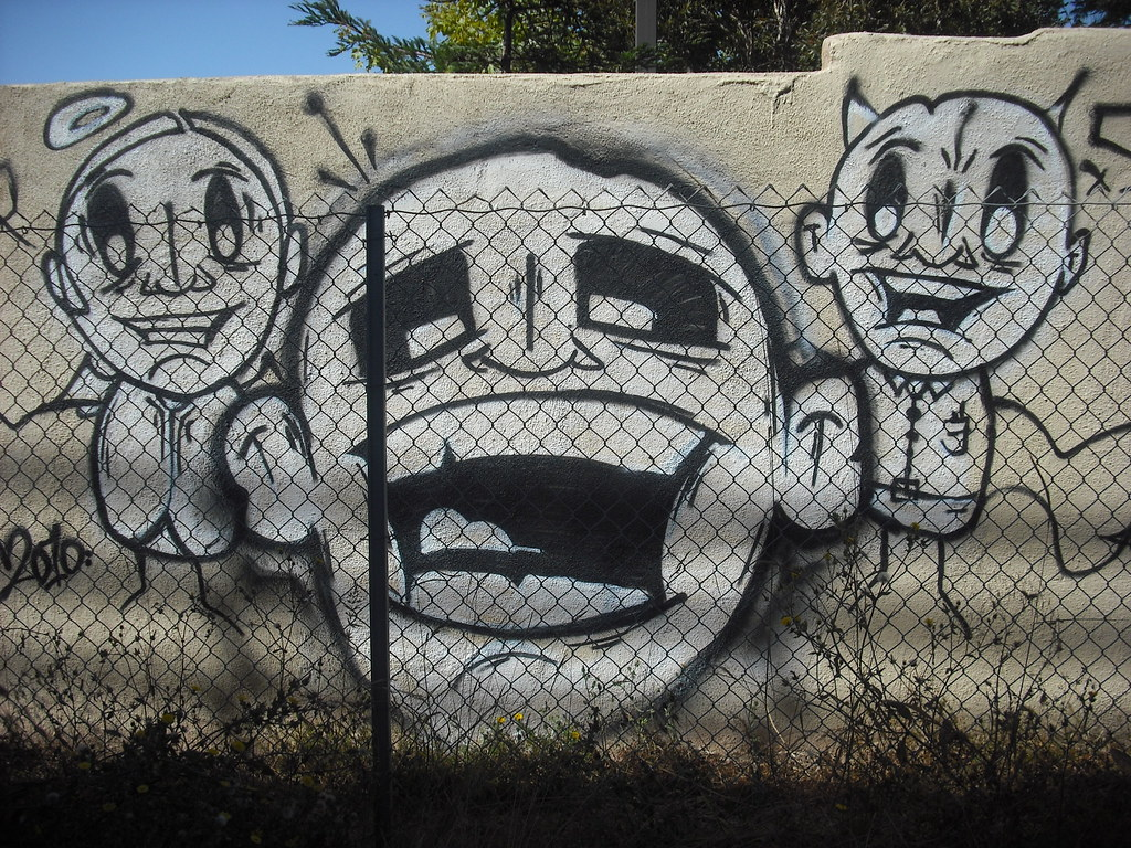 SKUL graffiti - Oakland, Ca