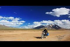 More Plains - Ladakh (Arvind Manjunath) Tags: india canon himalaya polarizer incredible leh himalayas ladakh cpl 2010 hoya royalenfield canonefs1785mmf456isusm incredibleindia 40d canon40d mooreplains arvindmanjunath img12479