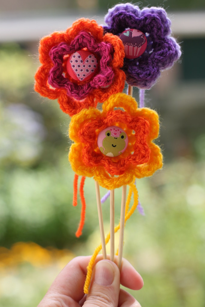 Super happy crochet flowers!