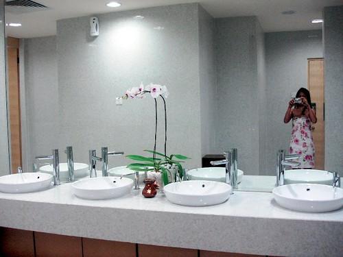 doubletree hilton KL - washroom 1