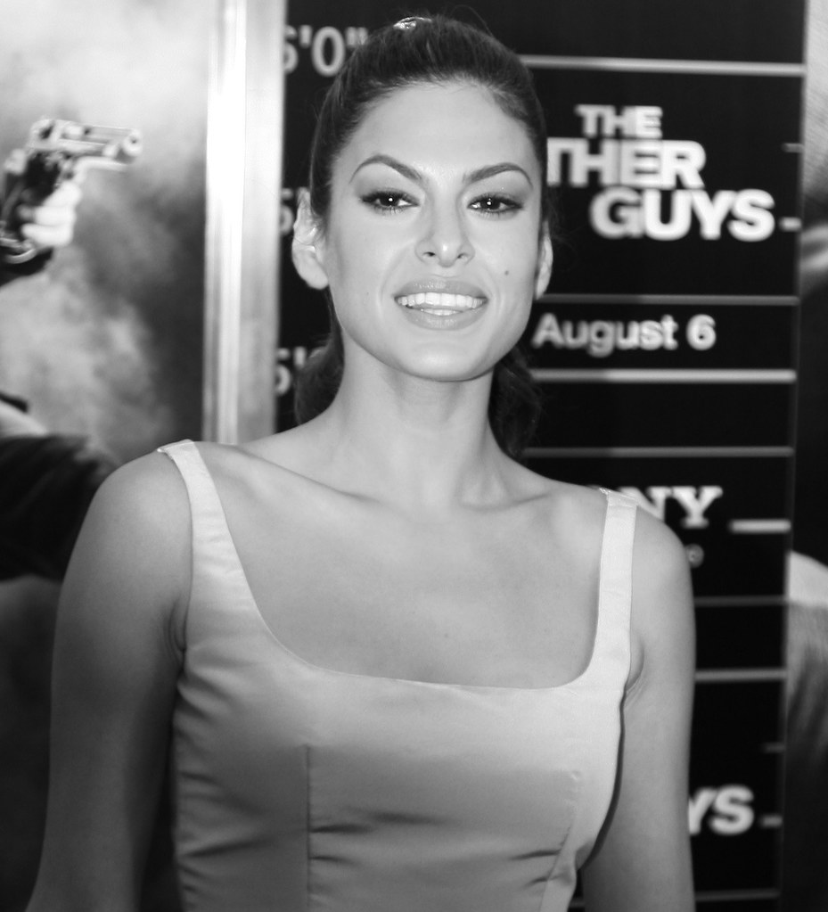 Eva Mendes, The Other Guys Movie Premiere, Ziegfeld Theatre New York