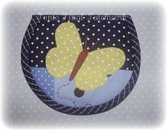 .....Porta moedas.... (Ponto Final - Patchwork) Tags: azul quilt handmade sewing amarelo fabric cotton borboleta colagem patchwork retalho aplicaes niqueleira po vis portamoeda patchcolagem caseado moedeiro apliqu arteemtecido artesanatocomtecido artecomretalho artesanatocomretalho trabalhoempatchwork