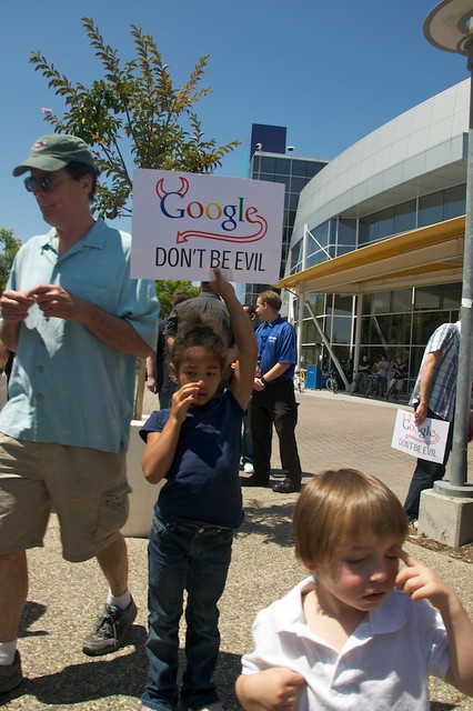 Net Neutrality protest at  Google HQ - GoogleRally 181 by Steve Rhodes