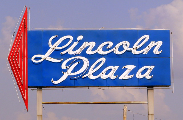 Lincoln Plaza neon sign