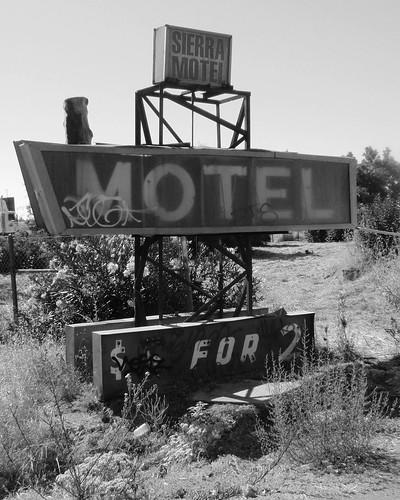 Sierra Motel BW