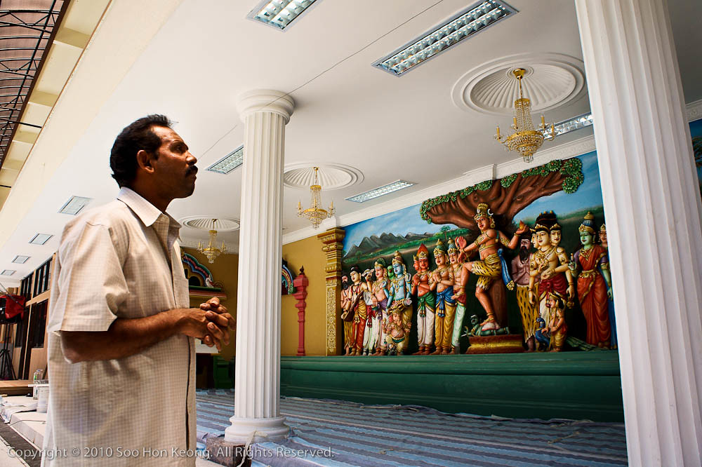 Looking at the Newly Renovated Sri Maha Mariamman Temple Dhevasthanam, KL, Malaysia