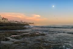 Horseshoe La Jolla (Lee Sie) Tags: ocean sunset sea orange moon seascape water coast waves pacific sandiego tide rip lajolla reef current waxinggibbous cirrus cloudsblue uwb