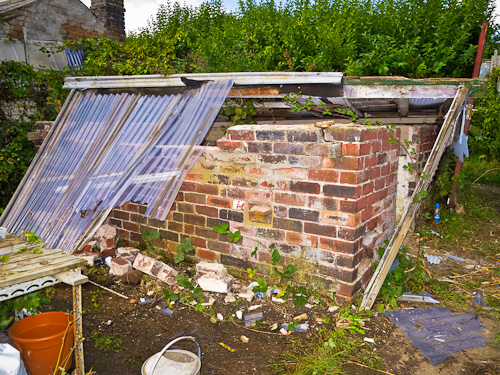 2010-08-22   Demolishing old Greenhouse  029-500px