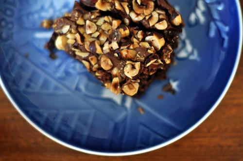 Chokoladekage med hasselnødder