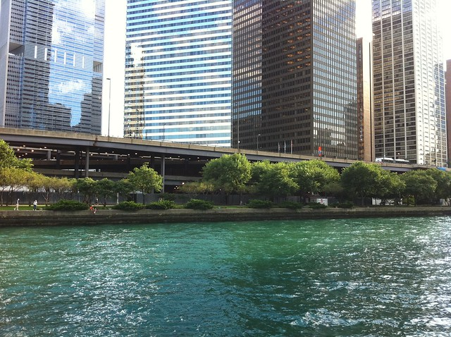 Gorgeous riverwalk in Chicago