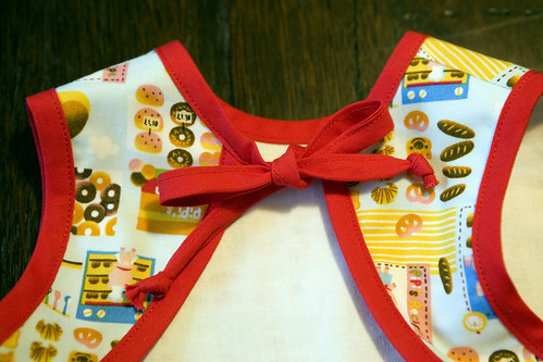 Pipi's Kitchen Bib - BackTop