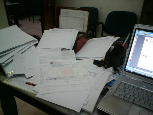 kantorku berantakan