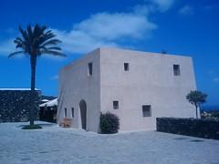 Pantelleria Kamma sede Donnafugata (neldrago) Tags: mobile pantelleria donnafugata