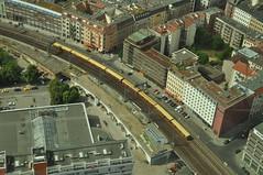 Tren desde el mondadientes (ACido) Tags: berlin fernsehturm telespargel mondadientes
