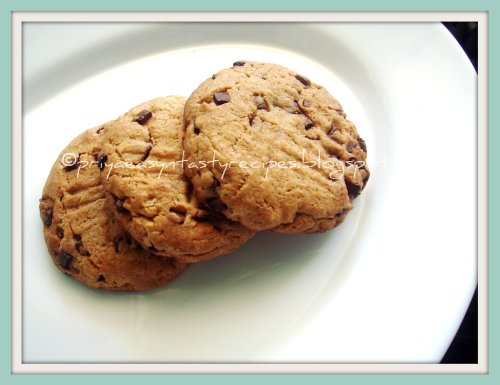 Jumbo Chocolate Chips Cookies