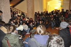Che fare? (quicksilv3r) Tags: italia novembre università trento duomo slogan ateneo proteste trentino manifesto 2010 lettere studenti manifestazione viaverdi sociologia corteo bassi urla auletta ddl agitazione gelmini quicksilv3r m3rcur1u5 atenei dellai universta trentoanomala