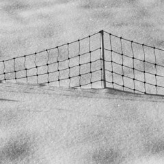 Zaun im Schnee (duqueros) Tags: schnee winter blackandwhite bw white snow black texture composition fence square schweiz switzerland suisse minimal sw svizzera schwarzweiss zaun kantonzrich duqueiros mygearandme sunnebel