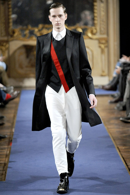 Lessandro Reyniers3010_FW11_Milan_Alexander McQueen(VOGUEcom)