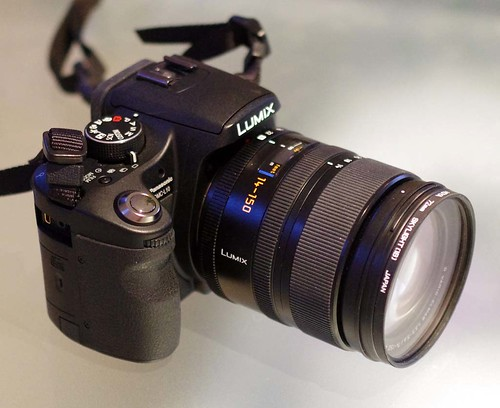 Panasonic L10 Leica D 14-150mm f/3.5-5.6 Vario-Elmar Zoom