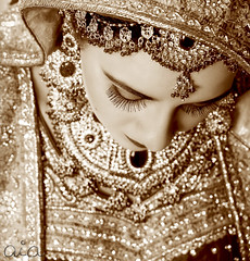 Very Traditional... (i.rashid007) Tags: wedding manchester bride marriage barat asianbride aiaphotography