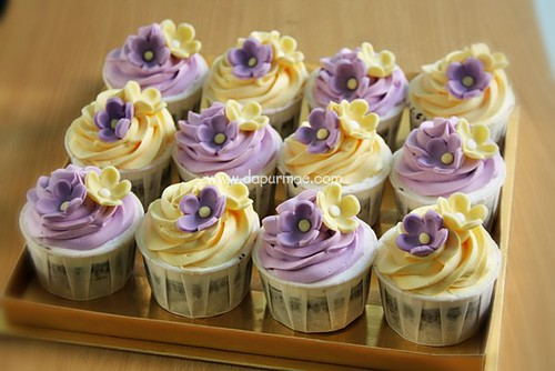 Yellow & Purple Cupcakes Set