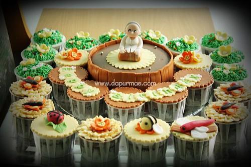 Cake & Cupcakes for Eyang