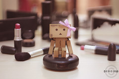 [ Danbo Love MAC ] (' Princess Dero ) Tags: pink shadow canon 50mm mac brush foundation dodo lipstick 18 danbo 450d danboard fyonka consiler plasher