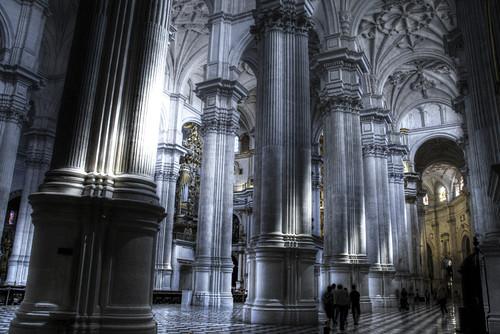 Cathedral columns. Granada. Columnas de la catedral.
